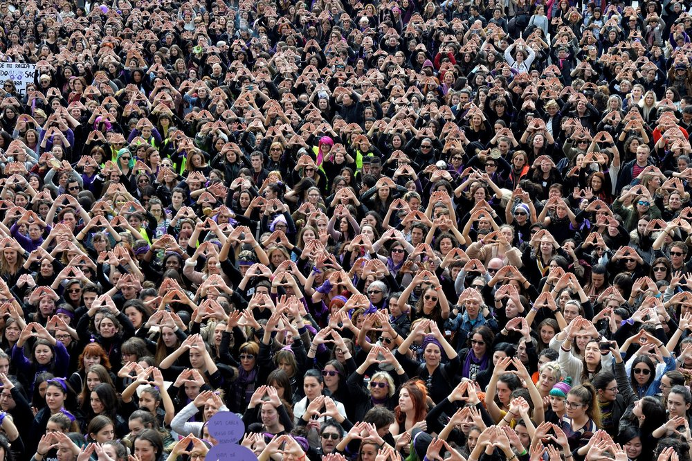Click to Read | Vincent West/Reuters