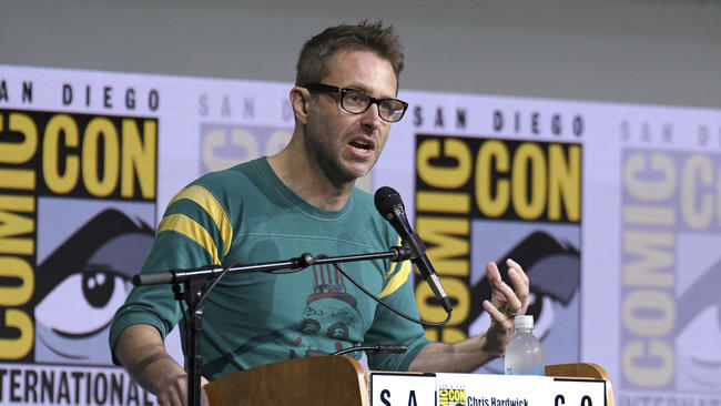 Chris Hardwick moderates the %22Fear The Walking Dead%22.jpg