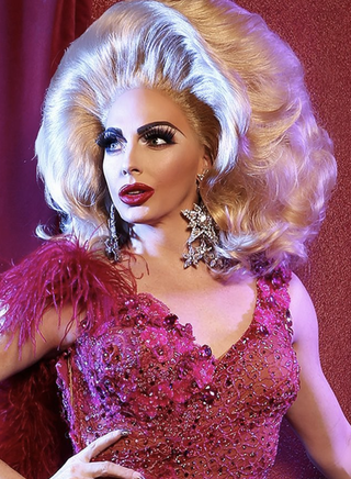 Drag Queens- The Gods of Modern Beauty Trends.png