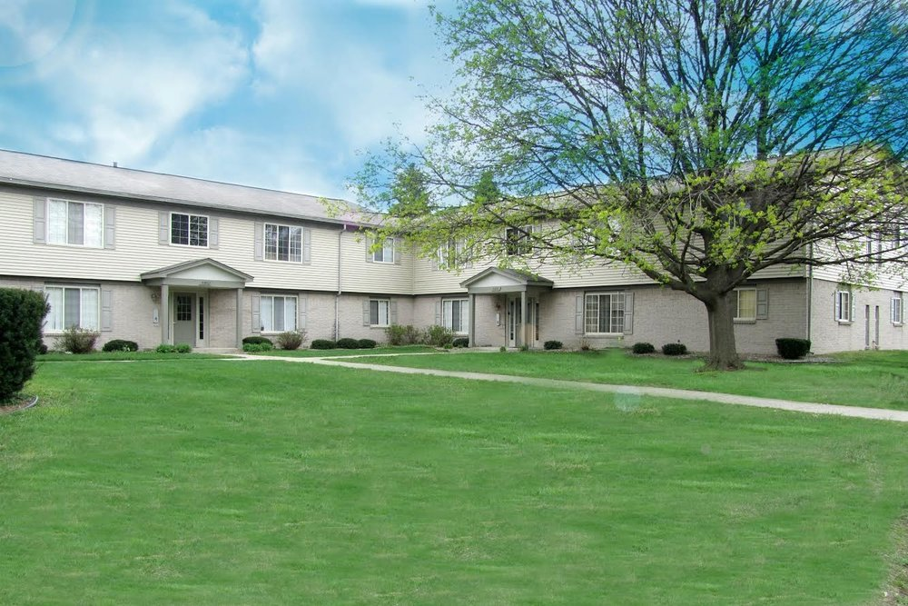 Sterling Court Apartments - Sterling Heights, MI