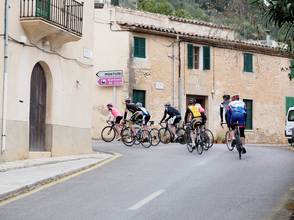 cycling-races-1117409.jpg