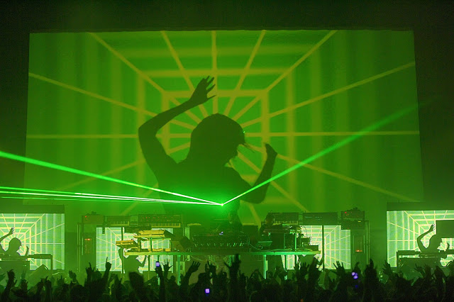 Chemical Brothers visual design light led laser concert production
