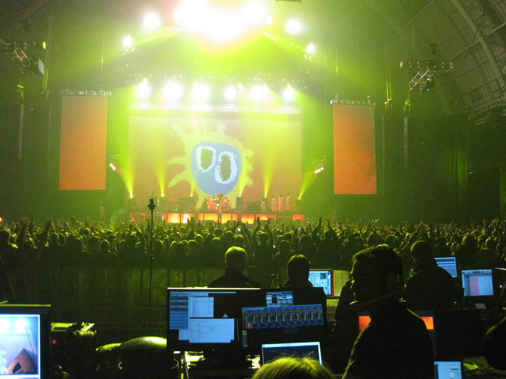 Primal scream lighting design production matthew button concert lighting programming show rock and roll tour hilife