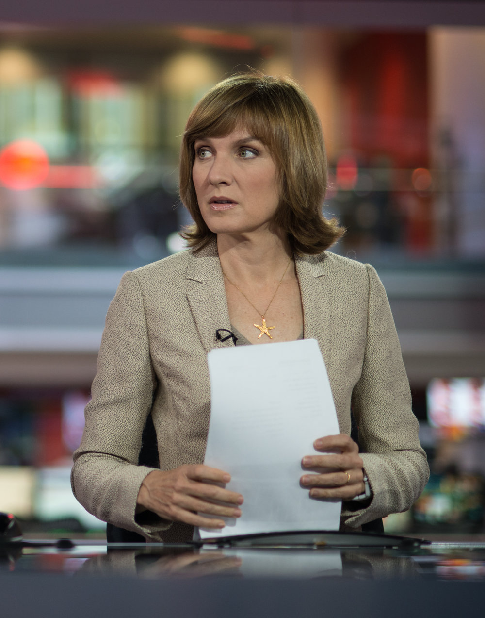 Fiona Bruce, one minute to go.