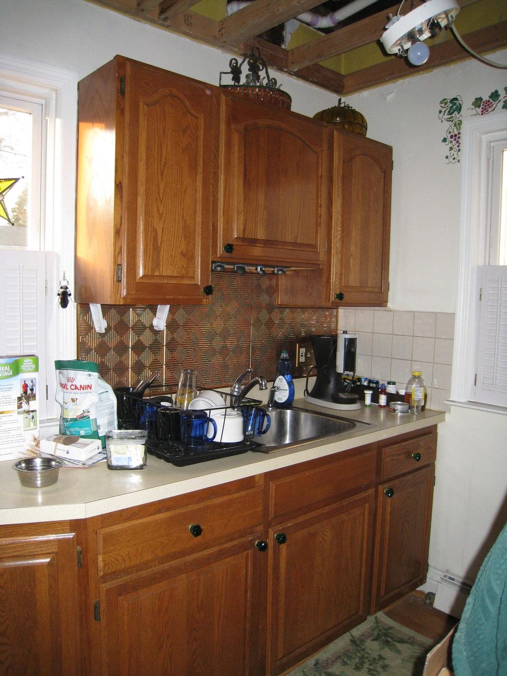 Lin kitchen beforeIMG_2121.jpg