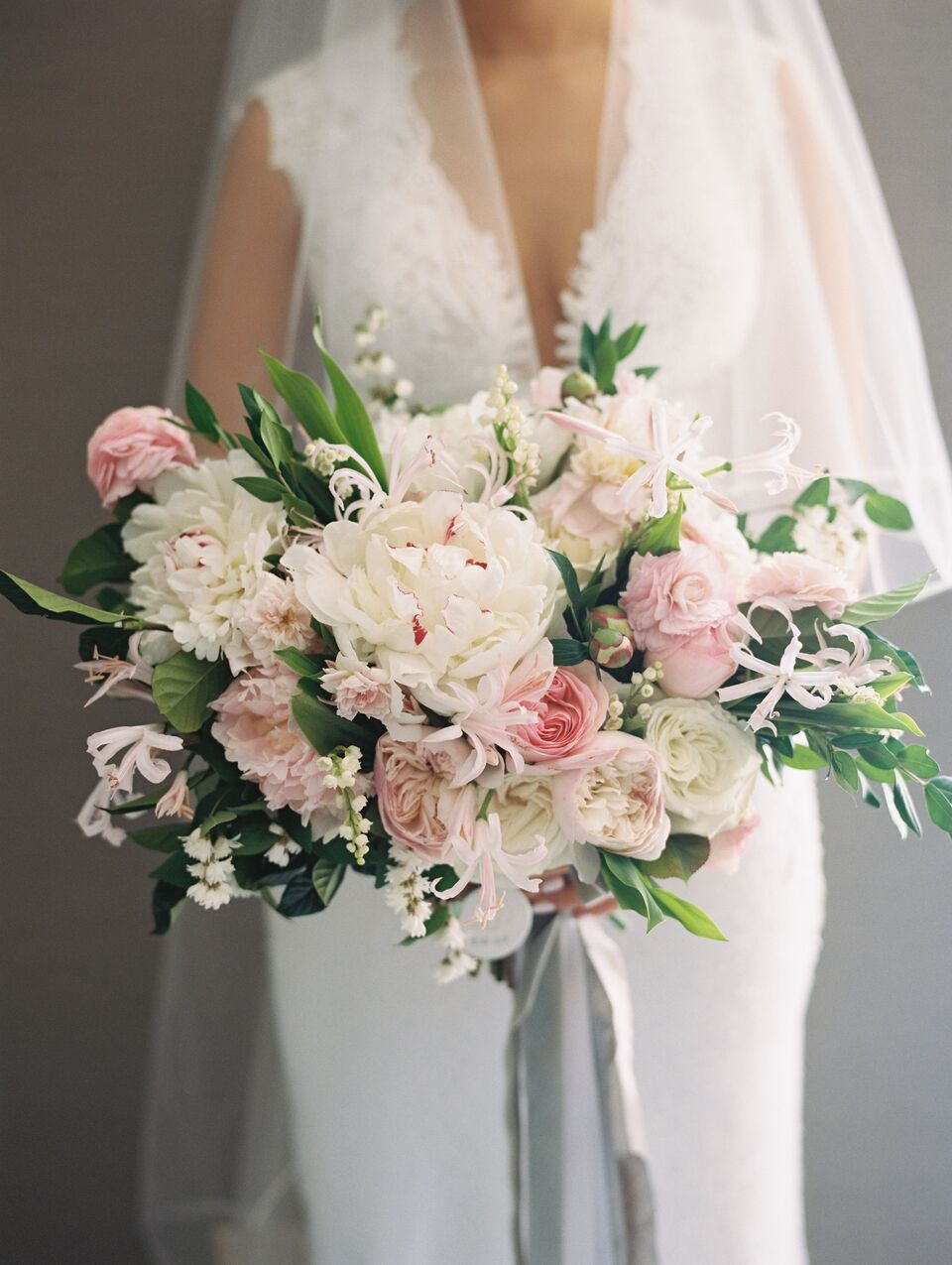 Bouquet by  Holly Chapple , Photo by  Abby Jiu