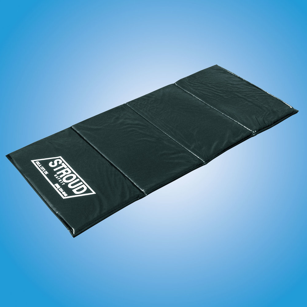 DIVE MAT   Keep comfortable while working on the ground with this dive mat. Made with durable vinyl covering and soft foam liner.  Dive Mat: #805
