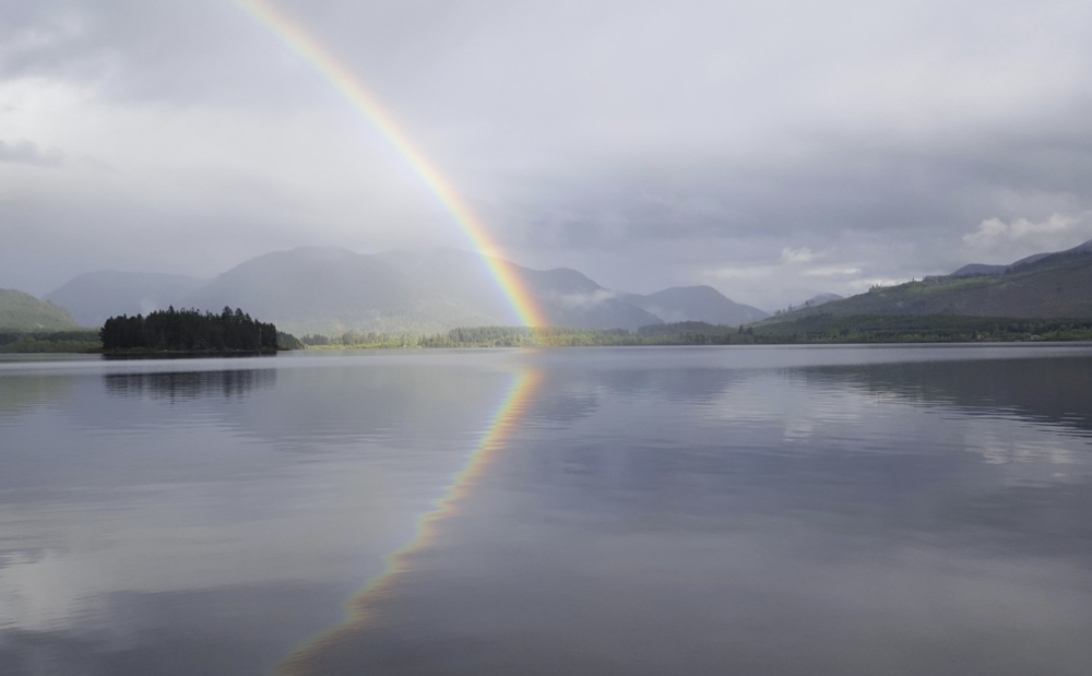 Houseboat-rental-vacation-bc-rainbow.png
