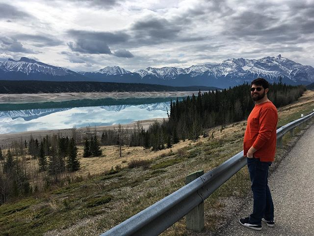 We've been in the Rocky mountains the past few day and it's been overwhelmingly beautiful! Thanks to all of our @homeroutes hosts! One last gig in Cochrane then driving back to Spokane/Coeur d'alene to fly home! #oldfashionedaces #alberta #chemincheznous #homeroutes