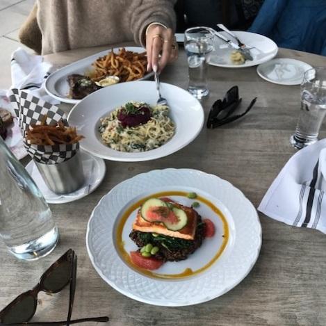 Les Enfants Terribles - Beautiful views and delicious food!