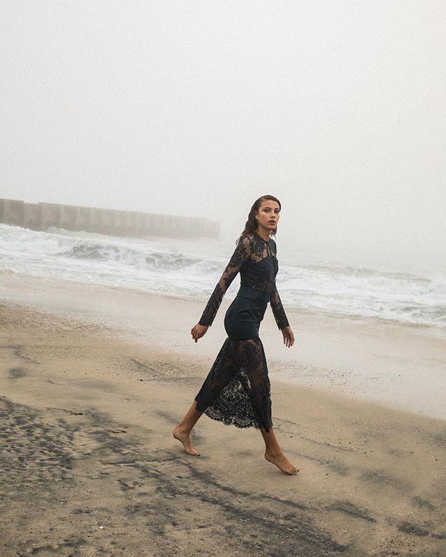 La plage dorée 💛  #model @candiceblackburn_ @nextmodelsla #style @allisonvictoria #makeup @nells26 #photography #losangeles #beach #editorial #fashion #fashionphotography #fog #foggy #california #plage #beautiful