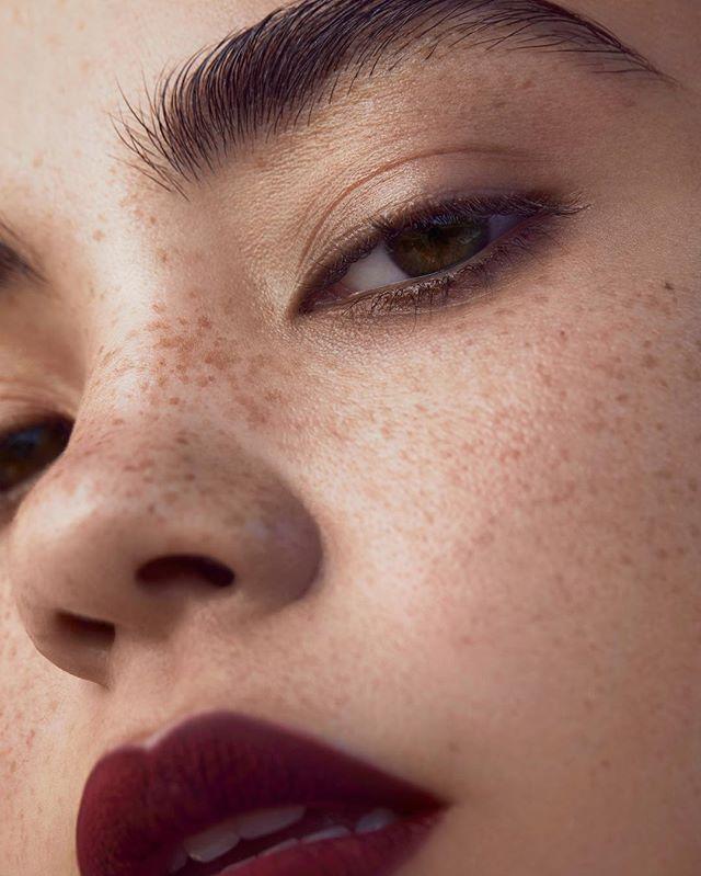 💔 @christinanadin #model @charlotte_prevel #makeup #beauty @nathanieldezan #mathildebresson #mouth #eyes #lipstick #art #editorial #beautyphotography #closeup  #fashion #fashionphotography #editorial #photography #brows #photographer #fashionphotographer
