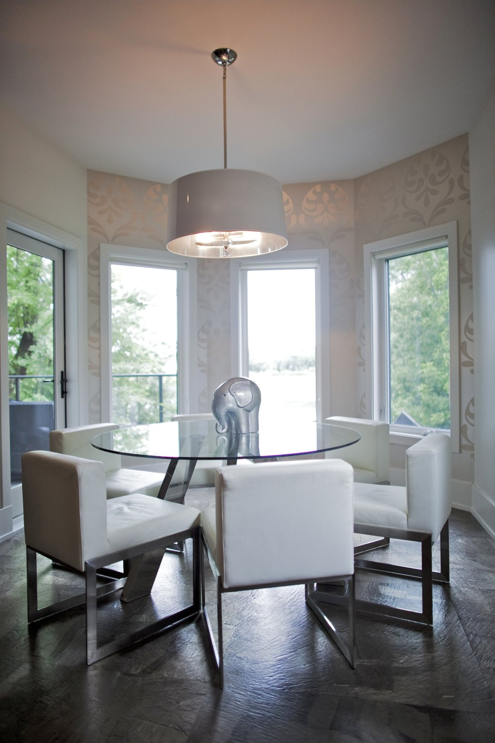 Bay Window Dining space