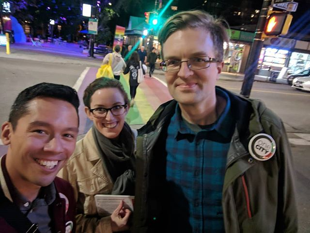 Campaigning after dark! Long day made better with amazing @onecityvancouver volunteers. If you want to help out, please consider volunteering some time. Less than 10 left! http://www.onecityvancouver.ca/advanced_voting_day_of_action