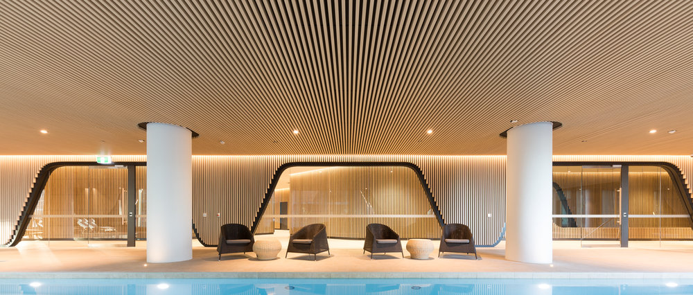 883 Collins St Multi-residential Pool Amenities - Melbourne, VIC Ever Art Wood® battens - Kabebari 30x50 in Supuringu Oku wall and ceiling cladding
