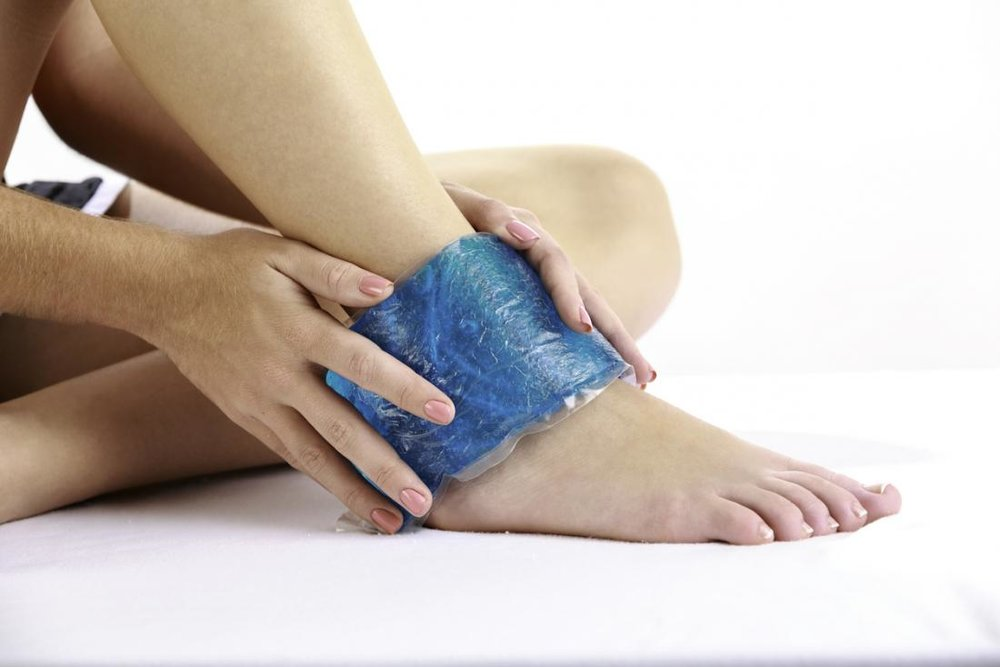 a-cold-compress-applied-within-48-hours-of-an-injury-can-help-reduce-inflammation.jpg