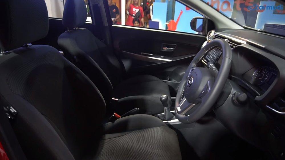 Interior Daihatsu Sirion 2018-min.jpg
