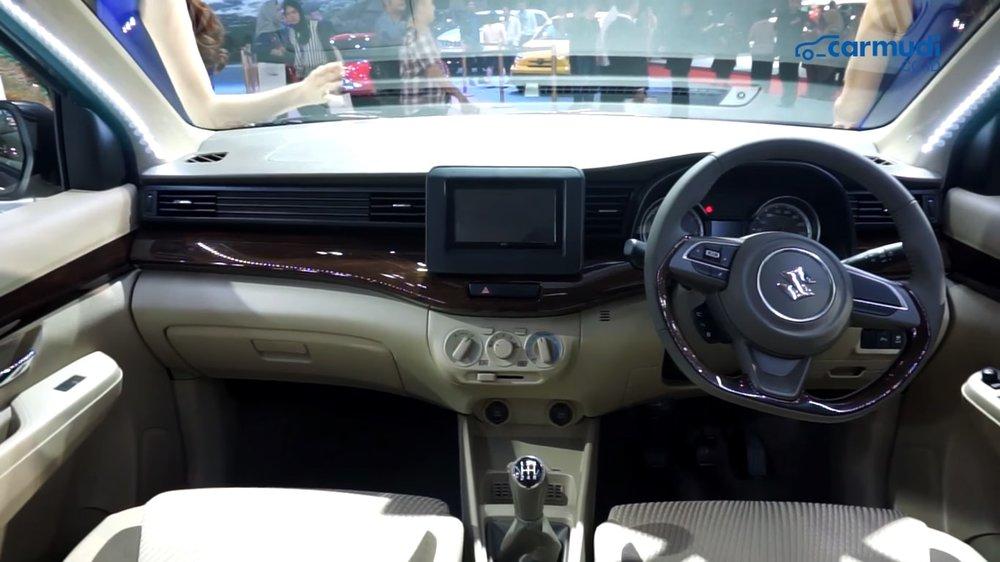 Interior Suzuki Ertiga 2018-min.jpg
