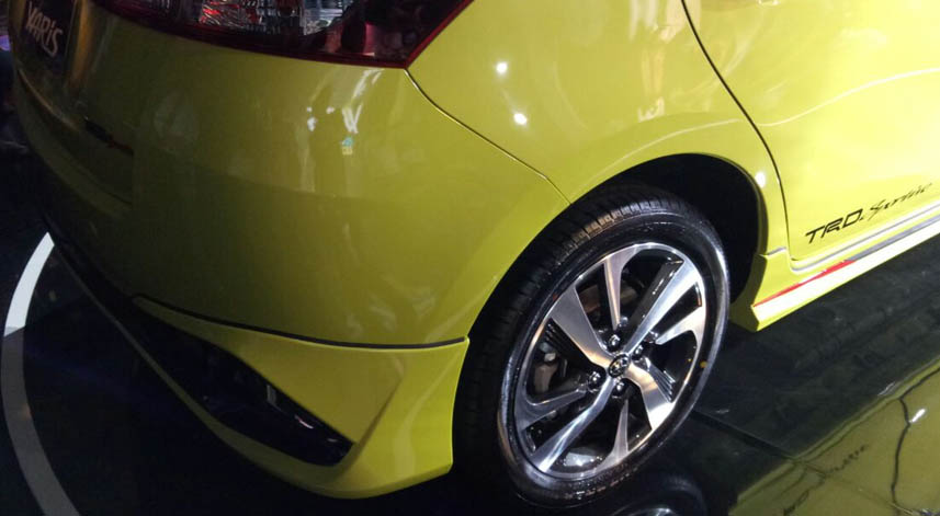 Toyota Yaris 2018 dengan velg 16 dual tone.jpg