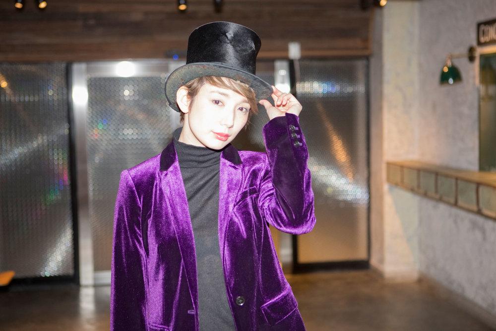 Sao-Kurama-Takarazuka-Actress-Japan-Lobby-Tophat.jpg
