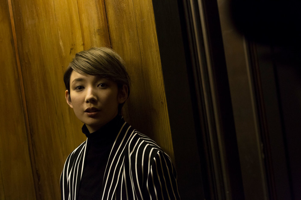 Sao-Kurama-Takarazuka-Actress-Japan-Wooden-Elevator_01.jpg