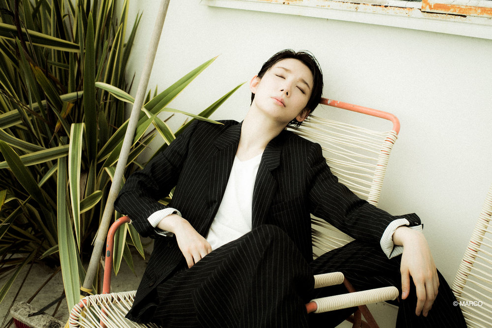 Sao-Koma-Takarazuka-Actress-Japan-Suit-Deckchair-Gallery.jpg