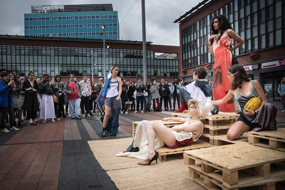 - Avoidstreet & Timna Weber, Mode to Wear, 2018 © WOW Amsterdam