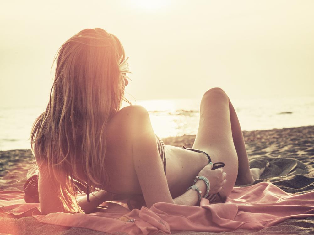 Recline_beach.png