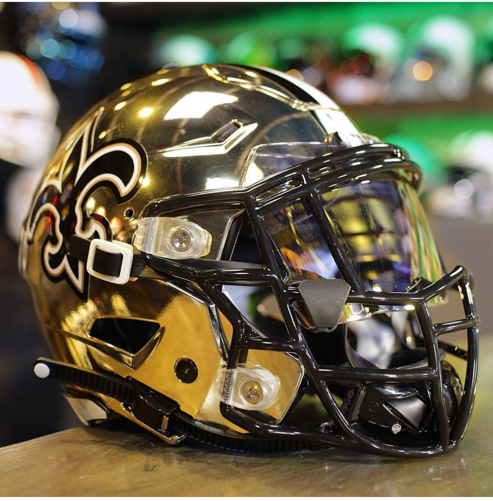 Zuti Facemasks on a Saint helmet build.
