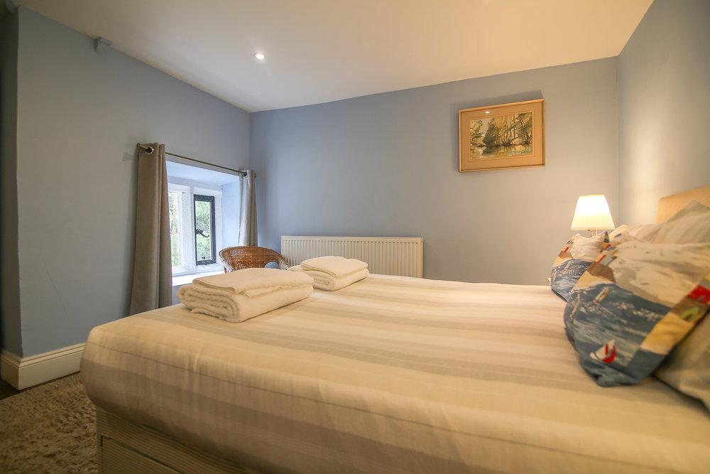 bedroom-cottage.jpg