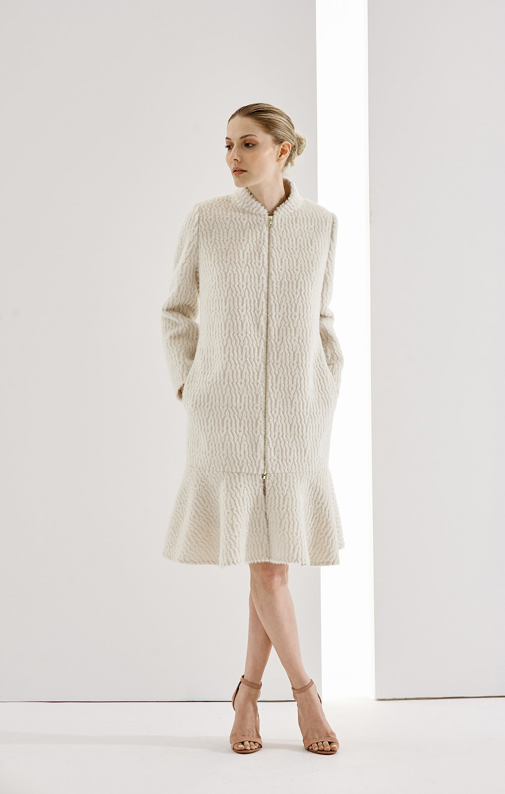 COAT DANIELLA AT-345 WAVE   Colors:  winter white,  mandarine  Sizes: XS, S, M, L, XL