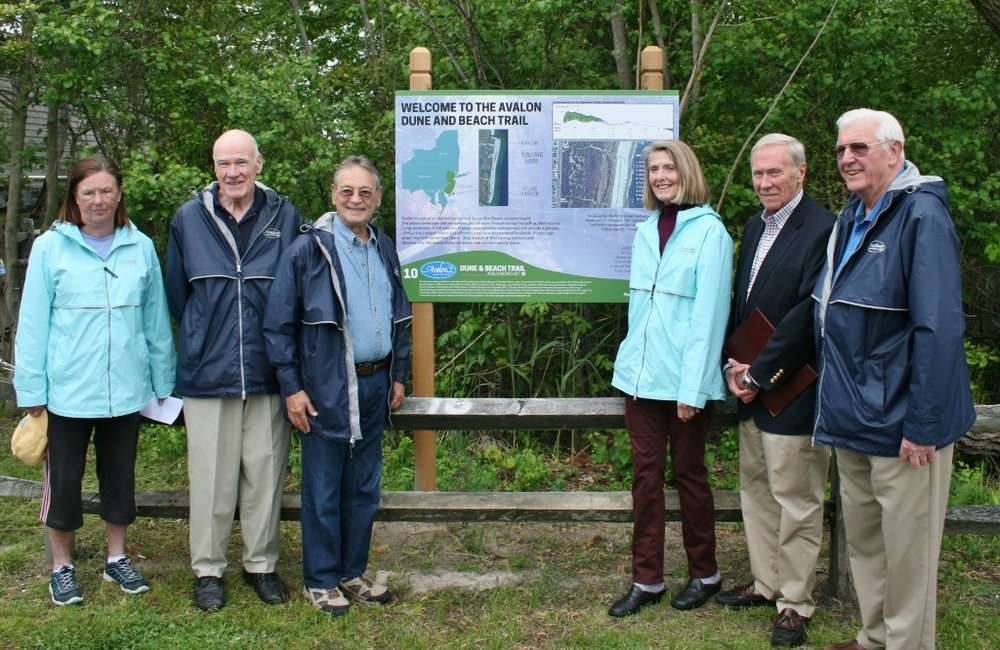 Mayor-and-Environmental-Commission-at-Dune-Path-Trail-1024x666.jpg