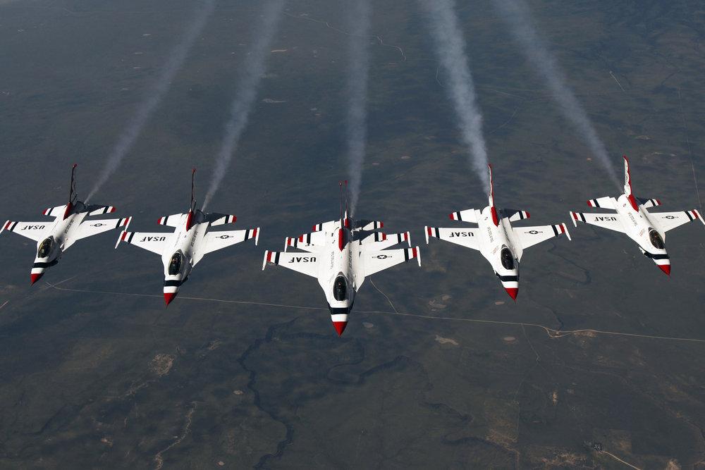 5e938e_F-16-Flugzeuge-Thunderbird-Demonstration.jpg