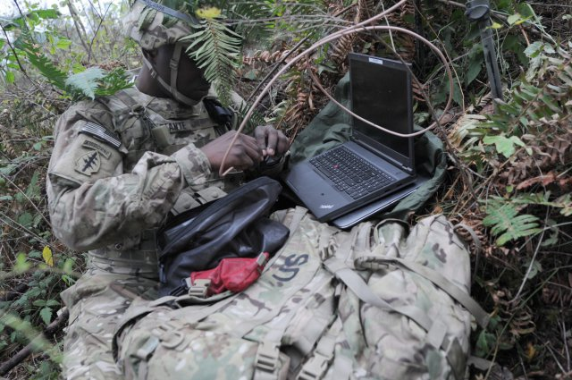 Cyber-soldier-at-Fort-Lewis-exercise.jpg