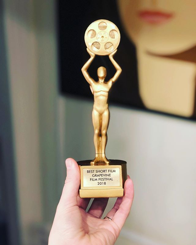 For #femalefilmmakerfriday we want to give many Thanks to @grapevine_film_fest! #oldhabitsmovie #shortfilm #womenmakenovies #bestshort