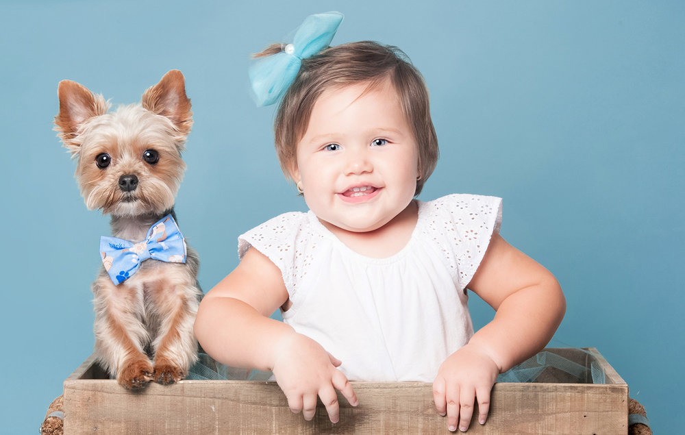 Paola-Paladini-Studio-baby-girl-and-dog