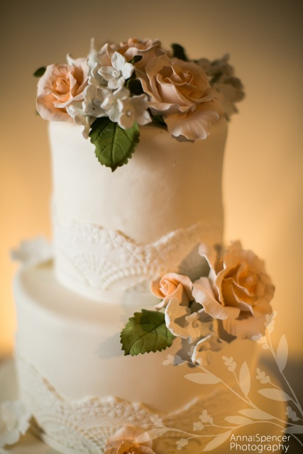 wedding cake with gumpaste.jpg