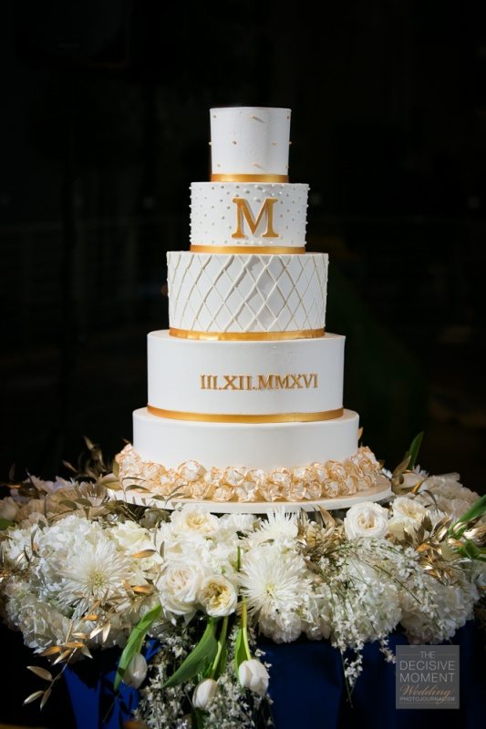 wedding - 5 tier Gold_roman_numerals.jpg