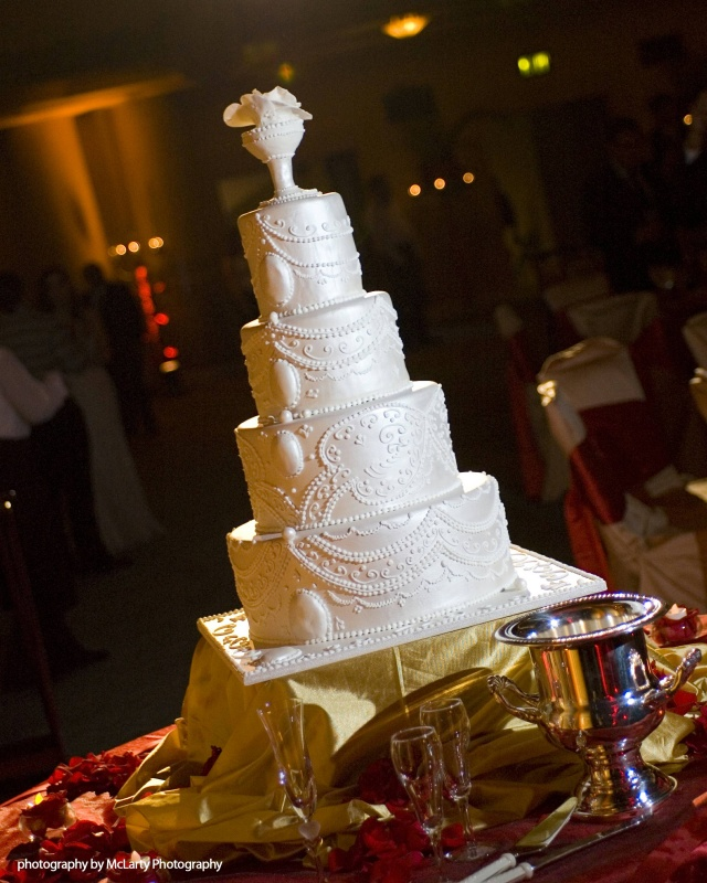 wedding - Dimo_cake_back.jpg