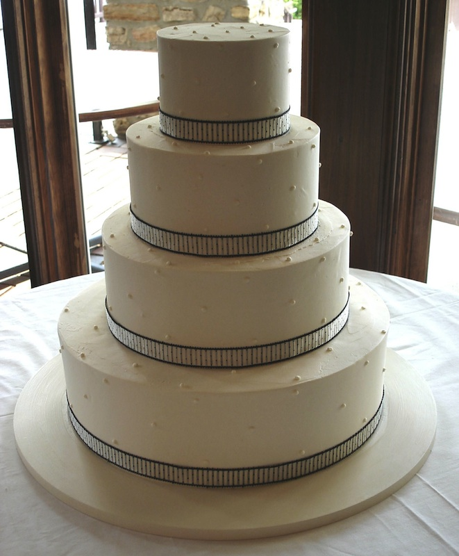 wedding - 4 tier white with black lining Cakes.jpg