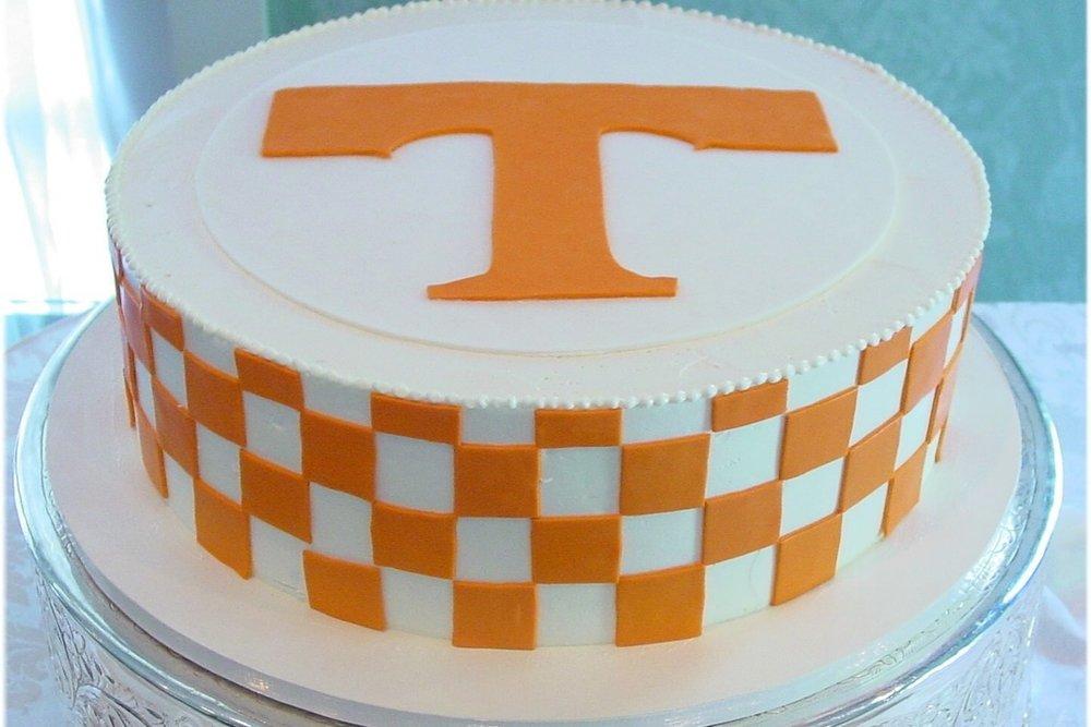 grooms cake - UT Tennesse_cake.jpg