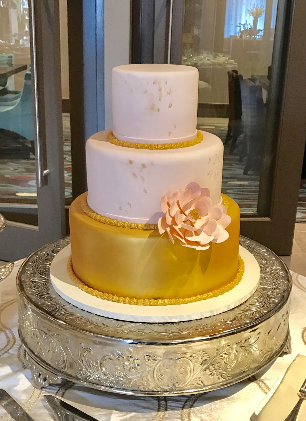 wedding cake - Blush and gold.jpg