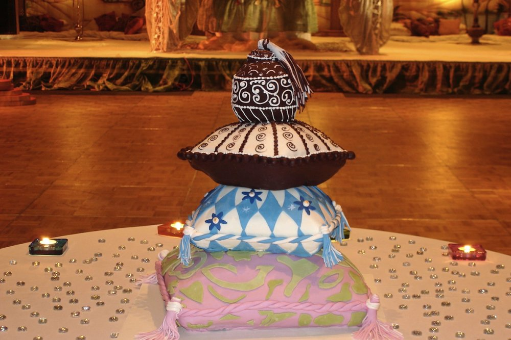 Pillow cake for Indian wedding in Atlanta Georgia.jpg