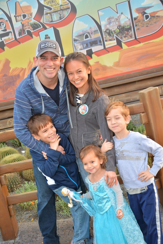 PhotoPass_Visiting_Disney_California_Adventure_Park_7925560985.jpeg
