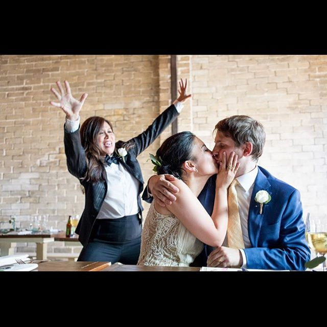 A little tardy but so excited to wish this wonderful match a Happy 1st Anniversary (and a few hours) @jessieanneruby and Chris. I loved working with you and wish you both a lifetime of happiness!  PC: @sofia_jaramillo5  #oneyearlater #happikyeverafter #seattlewedding #sealedwithakiss #wedo #ladytux #tadalove