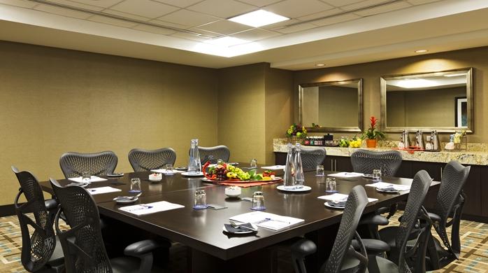 gi_boardroom_11_698x390_fittoboxsmalldimension_center.jpg