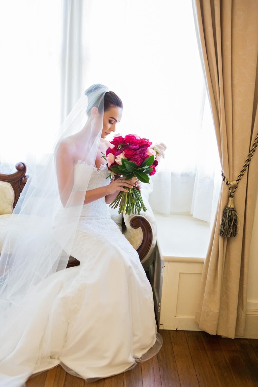 wedding-0026-dress-flowers-bouquets-veil-bride-queensland.jpg