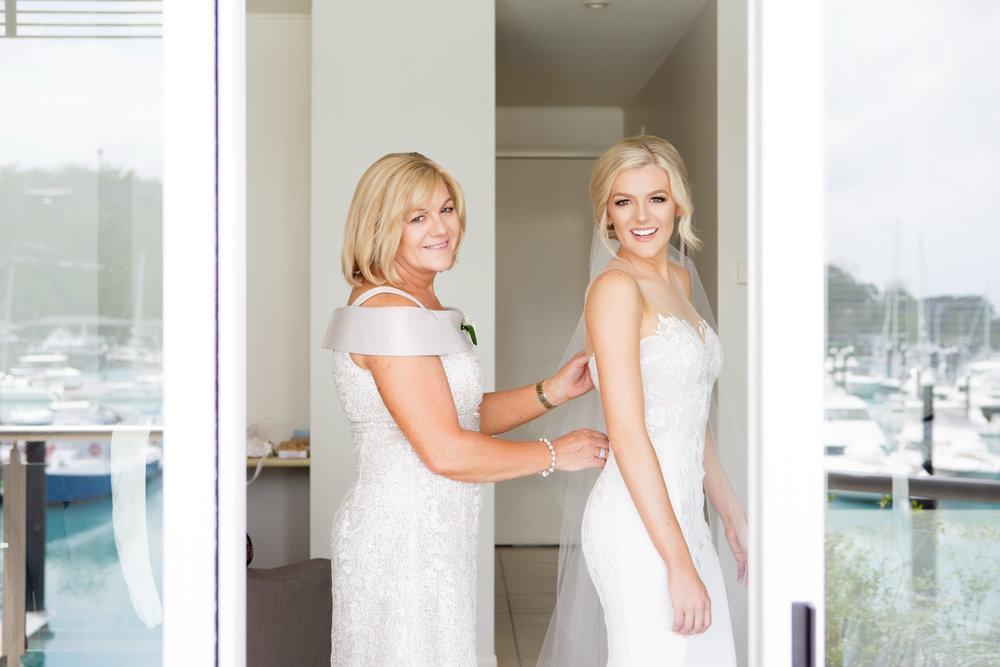 wedding-0113-dress-gown-buttons-back-mum-queensland.jpg