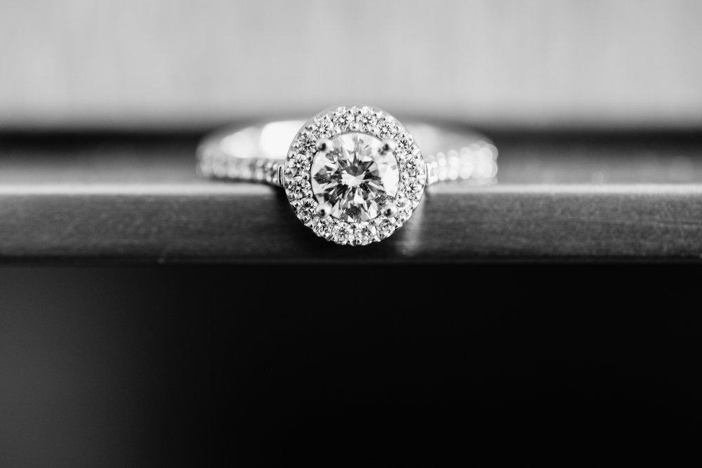 wedding-0313-engagement-ring-sparkle-bride-brisbane.jpg