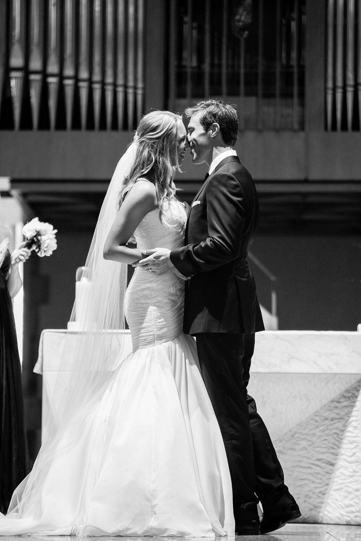 wedding-0273-ststephens-church-kiss-australia.jpg
